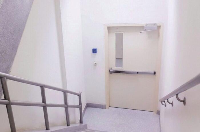 Presuriración en escaleras de emergencia